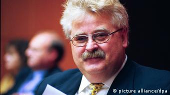 Deutschland Elmar Brok 2002 (picture alliance/dpa)