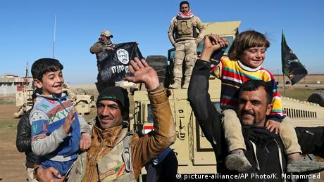 Irak Kampf um Mosul (picture-alliance/AP Photo/K. Mohammed)