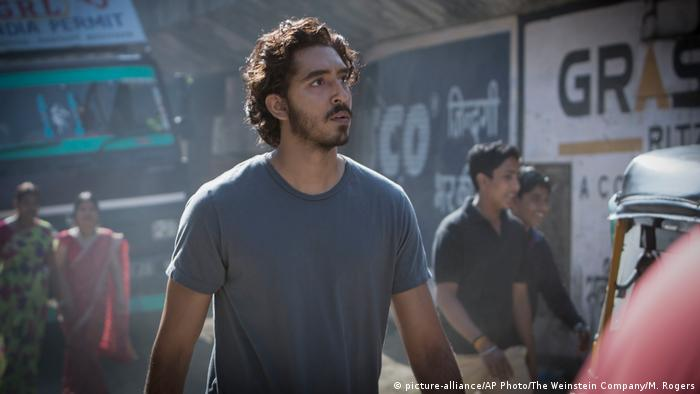 Film still Lion (picture-alliance/AP Photo/The Weinstein Company/M. Rogers)