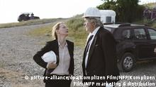 Sandra Hüller as Ines and Peter Simonischek as Winfried in Toni Erdmann (picture-alliance/dpa/Komplizen Film/NFP/Komplizen Film/NFP marketing & distribution)