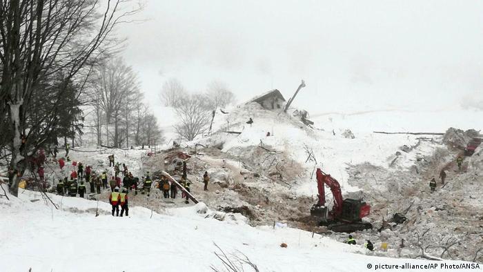 Recuperados corpos de todas as vítimas de avalanche na Itália