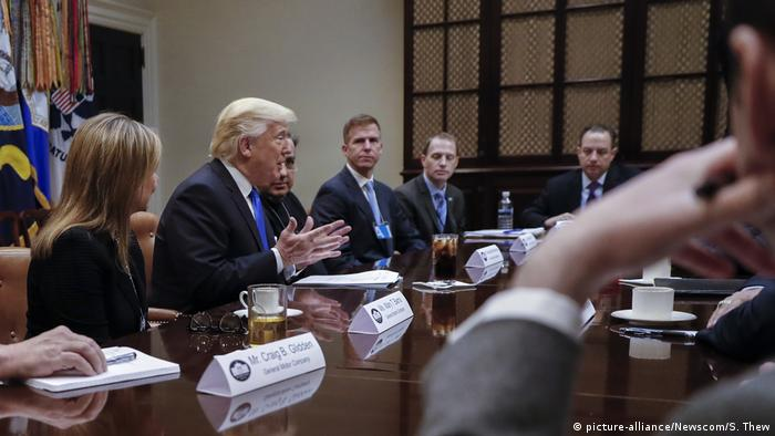 USA Donald Trump Treffen Top-Managern der Autoindustrie