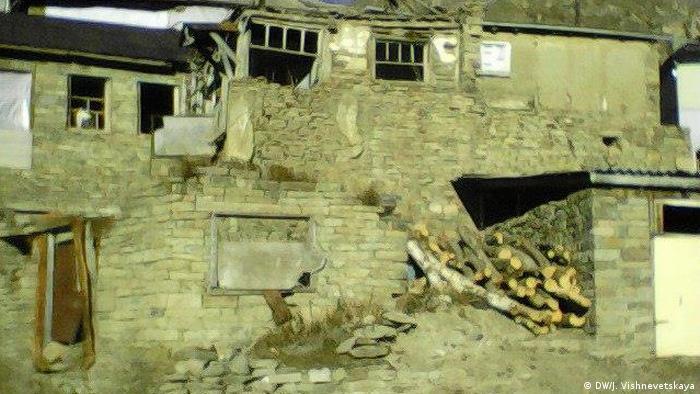 Разрушенный дом в чеченском селе Кехни