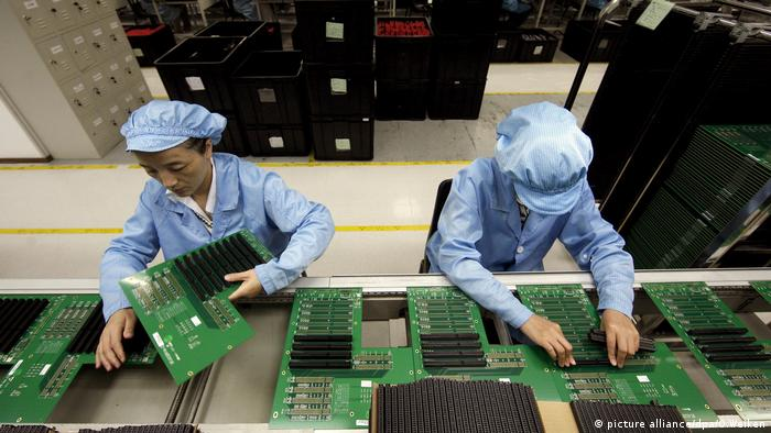 China Wirtschaft Chipfabrik in Shenzhen (picture alliance/dpa/O.Weiken)