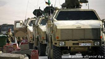 Gepanzerte Bundeswehrfahrzeuge vom Typ 'Dingo' in Afghanistan (Foto: dpa)