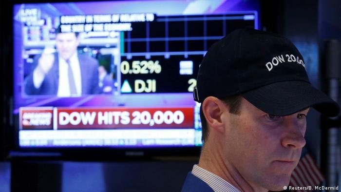 Wall Street Dow Jones überspringt erstmals die Marke von 20 000