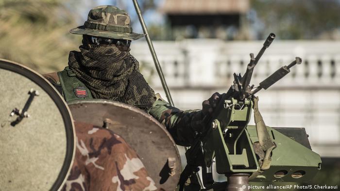 Soldado da ECOMIG em Banjul