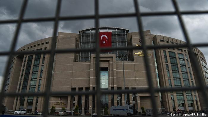 Türkei Istanbul Justizpalast (Getty Images/AFP/B. Kilic)