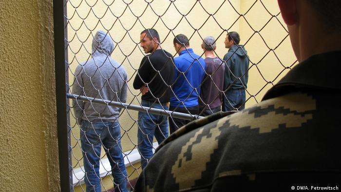 Центр временного размещения нелегальных мигрантов в Бресте