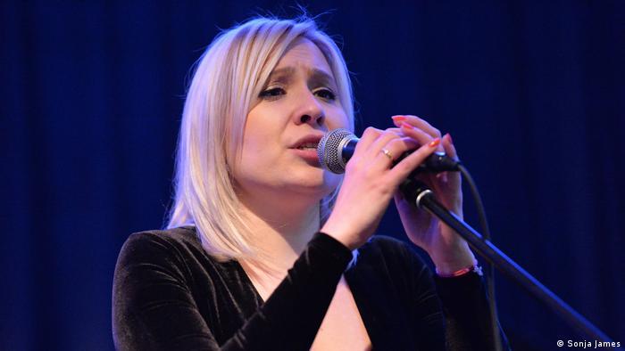 Sonja James: Pjevajući čistim svoju dušu