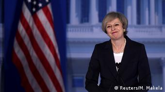 Die britische Premierministerin Theresa May spricht am 26.01.2017 in Philadelphia (Reuters/M. Makela)