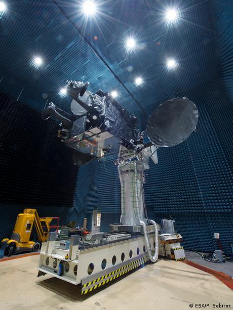 Satelit SmallGEO/Hispasat 36W-1