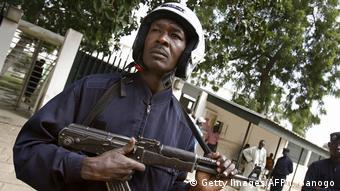 Tschad Polizist Symbolbild