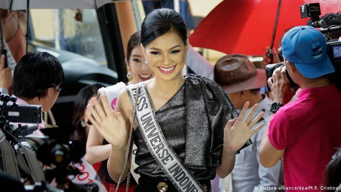 Philippinen Miss Universe Kandidatin Kezia Warouw (picture-alliance/dpa/M.R. Cristino)