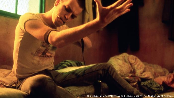 Trainspotting Filmszene 1996 (picture-alliance/Mary Evans Picture Library/The Ronald Grant Archive)