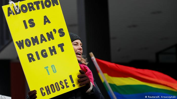Oklahoma bill would force women to get men's permission for abortion