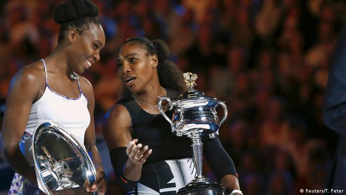 Tennis Australian Open Serena Williams - Venus Williams (Reuters/T. Peter)