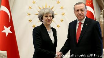 Theresa May und Erdogan in Ankara (picture-alliance/dpa/AP Photo)