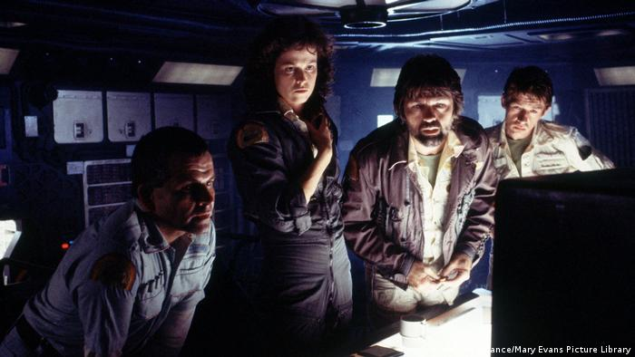 John Hurt im Film Alien (picture-alliance/Mary Evans Picture Library)