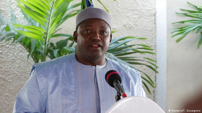 Gambia' Präsident Adama Barrow during a press conference in Banjul