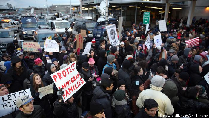Protest gegen Präsident Donald Trump in New York (picture alliance/AA/M. Elshamy)
