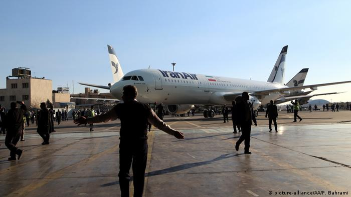 Iran Mehrabad Airport in Teheran Flugzeuge von Iran Air (picture-alliance/AA/F. Bahrami)