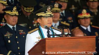 Philippinen General Eduardo Ano hält Rede in Quezon City (picture alliance/Photoshot/R. Umali) )