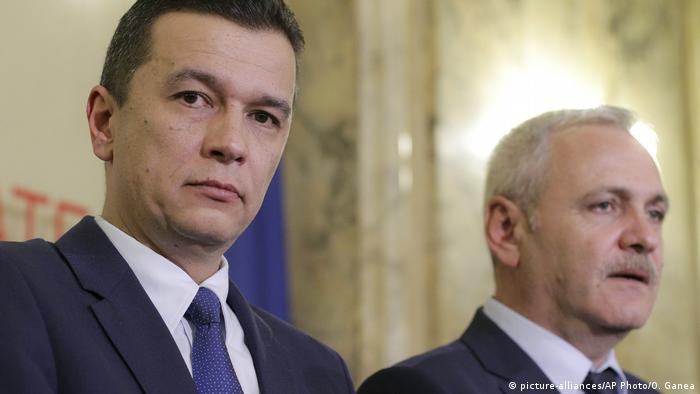 Rumänien Ministerpräsident Sorin Grindeanu und Vorstizender der Sozialisten Liviu Dragnea