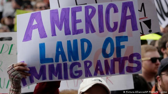 US-Einreiseverbot gegen Muslime: Widerstand in den USA (Picture-Alliance/AP Photo/S. Senne)