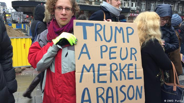 Brüssel - Demonstranten bei Anti-Trump-Protest