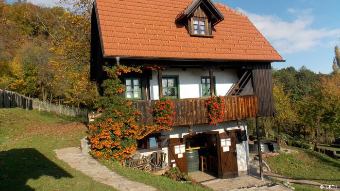 Seoska kuća s otvorenim podrumom