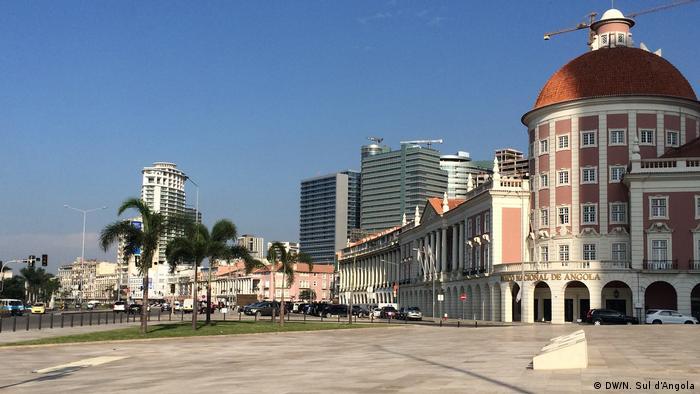 Angola - Uferstraße in Luanda (DW/N. Sul d'Angola)