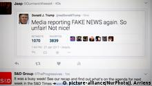 Fake Donald Trump tweets are seen in a Twitter timeline on 27 Friday, 2017. In China a site that generates fake tweets that look as if they were generated by US president Donald Trump are geing used to mock the president. (Photo by Jaap Arriens/NurPhoto) | Keine Weitergabe an Wiederverkäufer.