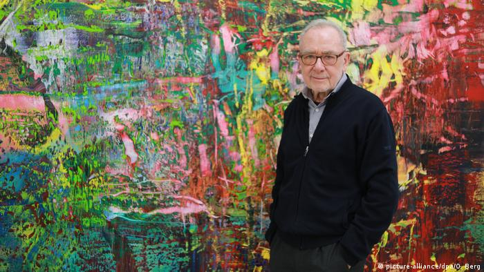 Gerhard Richter in his studio (picture-alliance/dpa/O. Berg)