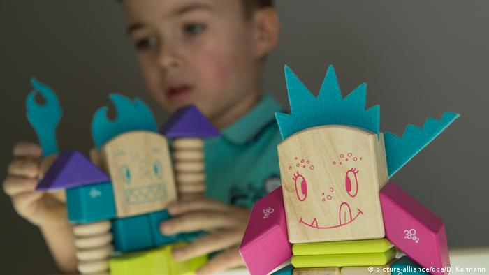 68th Nuremberg Toy Fair | Tegu Beans and Tumtum (picture-alliance/dpa/D. Karmann)