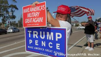 USA Trump-Unterstützer | Make America's Military great again (Getty Images/AFP/B. Wechter)