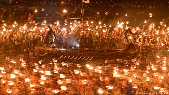 Schottland Shetlandinseln | Festival The 2017 Up Helly Aa (Getty Images/J.J. Mitchell)