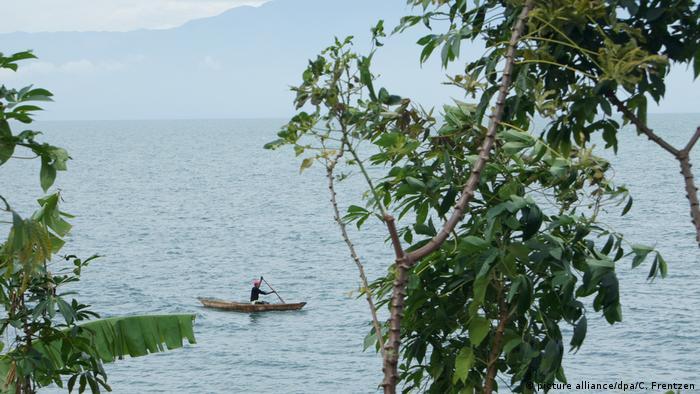 Burundi Tanganjikasee (picture alliance/dpa/C. Frentzen)