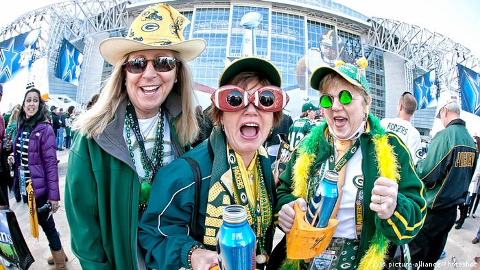Super Bowl - Green Bay Packers Fans (picture-alliance/Photoshot)
