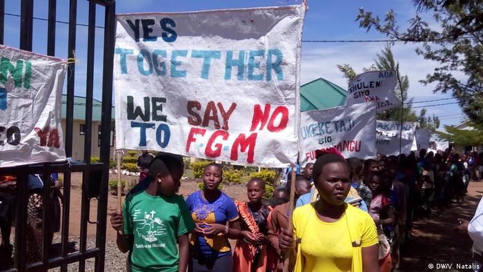 Tansania Proteste gegen Genitalverstümmelung von Mädchen und Frauen