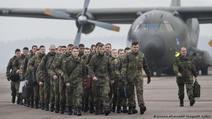 Солдаты бундесвера в аэропорту Каунаса