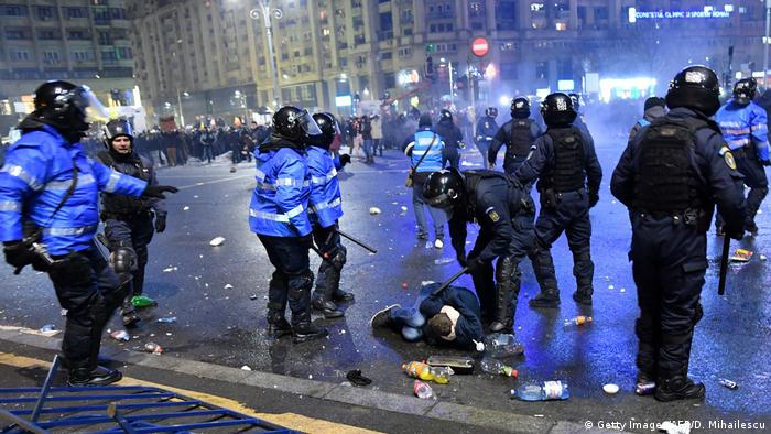 Rumänien Proteste gegen Korruption & Ausschreitungen in Bukarest (Getty Images/AFP/D. Mihailescu)