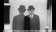 Ausstellung Schirn Kunsthalle Frankfurt Magritte (© Duane Michals, Courtesy of DC Moore Gallery, New York)