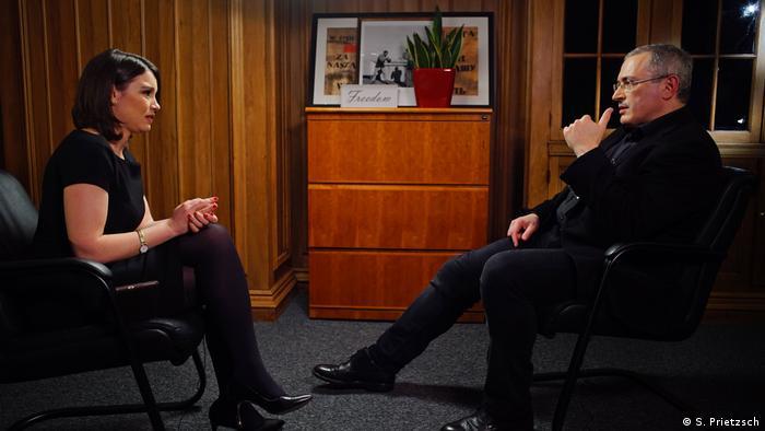 Михаил Ходорковский отвечает на вопросы Жанны Немцовой