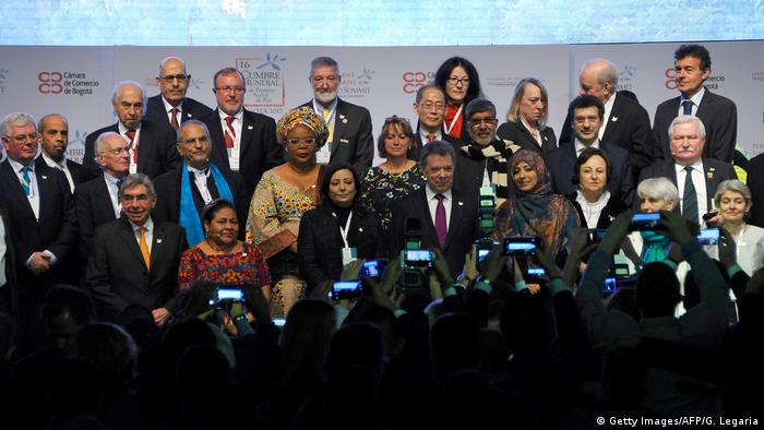 Kolumbien Internationaler Gipfel der Friedensnobelpreisträger in Bogotá (Getty Images/AFP/G. Legaria)