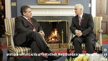 USA Sigmar Gabriel trifft Mike Pence