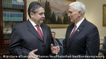 USA Deutschland | Sigmar Gabriel trifft Mike Pence in Washington