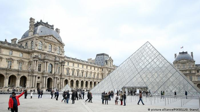 Frankreich Louvre Museum in Paris (picture-alliance/PIXSELL/G. Stanzl)