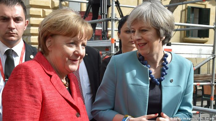 EU-Gipfel auf Malta | Angela Merkel & Theresa May (Getty Images/AFP/A. Solaro)