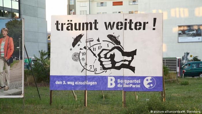 poster r Bergpartei (picture-alliance/dpa/W. Steinberg)